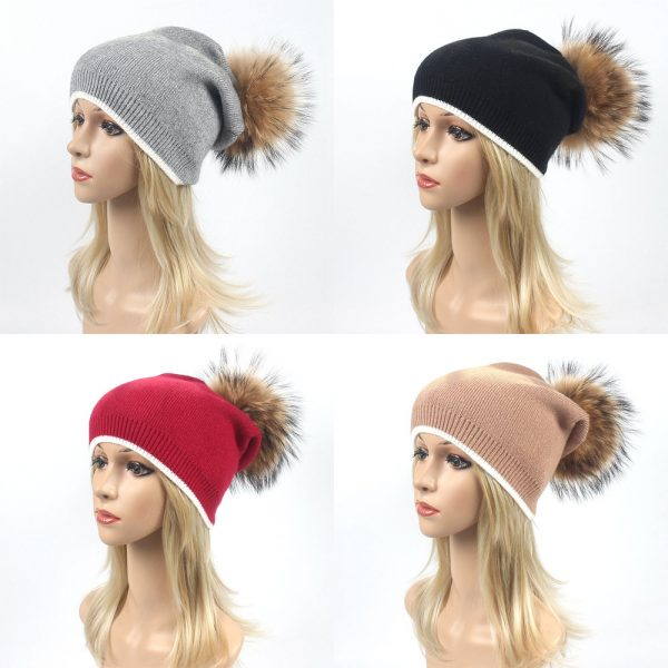 Knitting Hat With Fur pompom
